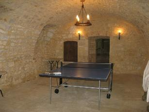 Table tennis in the dungeon