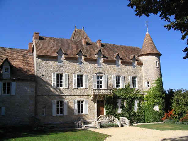 Chateau de Lamostonie sleeps 20+ (new website)