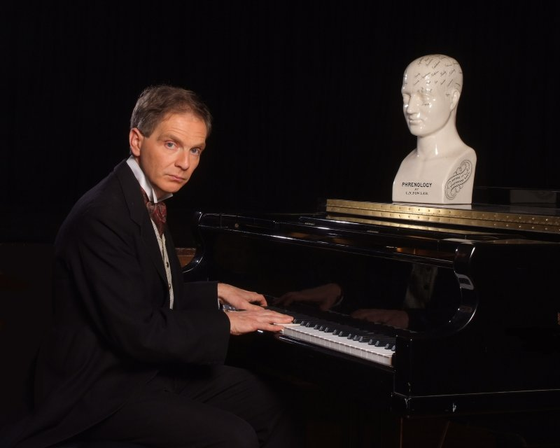 Michael Lunts as Rachmaninov