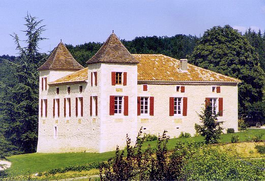 Chateau Cardou sleeps 12-20